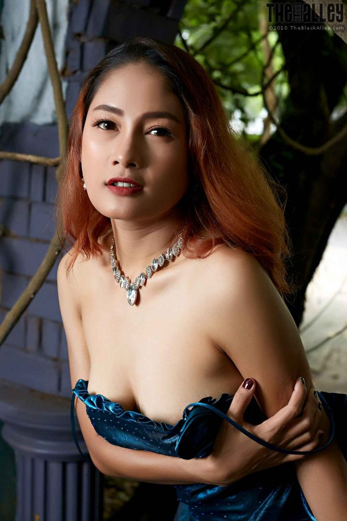 The Black Alley – 2019 Aug 19 – Winny Sung # 154