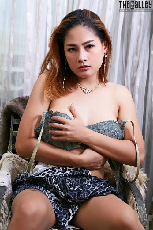 The Black Alley – Nov 23 – Winny Sung # 165 – Free Download